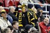 NAC Breda supporter. Jeugdige geschminkte NAC supporter. Foto: Maurice van Steen