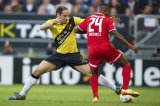 (L-R) Boldizsar Bodor of NAC Breda, Quincy Promes of FC Twente